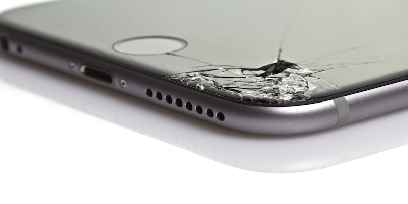 how much does it cost to fix a cracked screen on an iphone 6